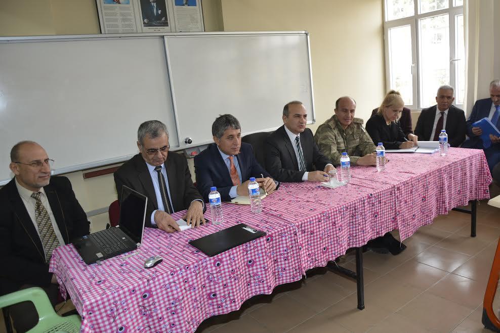 Kaymakam Erkayıran ve Başkan Yavuz ilçe halkının sorunlarını dinlemeye devam ediyor