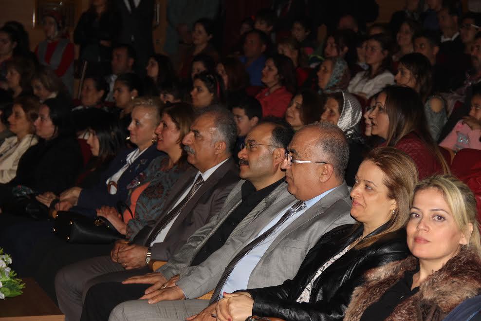 Samandağlı Tiyatroseverlerden Dünya Tiyatro Günü etkinliğine büyük ilgi