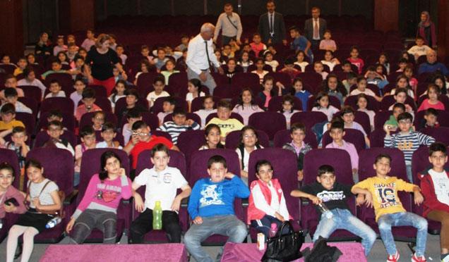 İskenderun'da 'Ücretsiz Sinema Günleri' devam ediyor