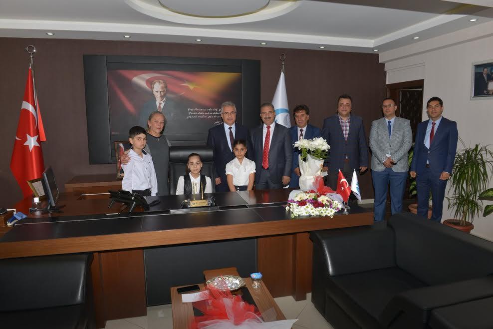 Antakya Belediyesi'nde 'Sembolik Belediye Başkanı' geleneği bu yıl da yapıldı