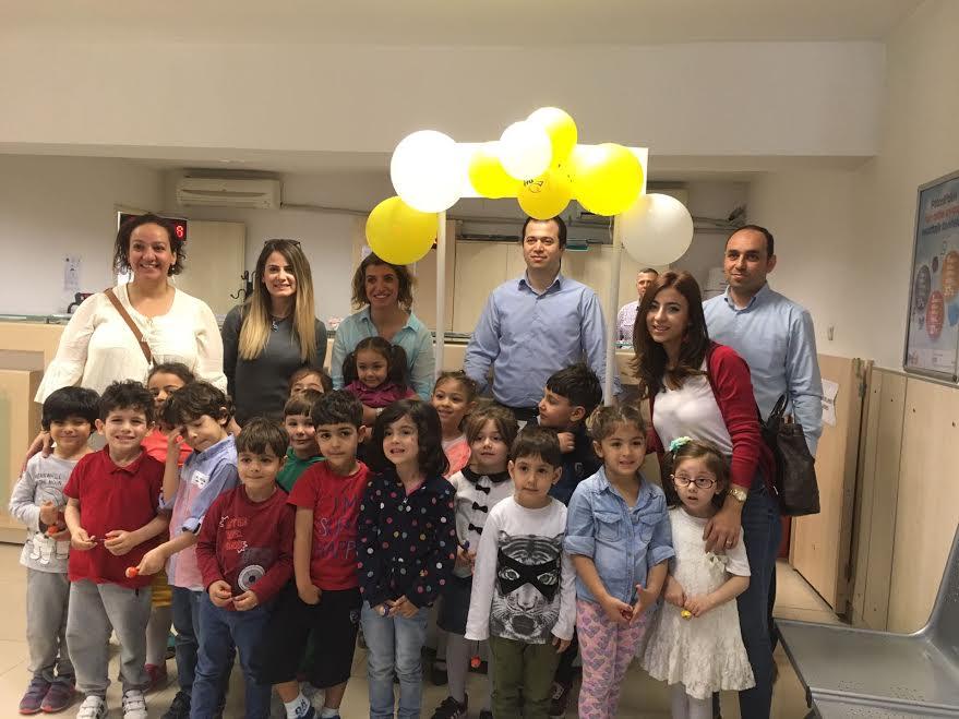 Minikler PTT'nin Anneler Günü Kampanyasına destek verdi