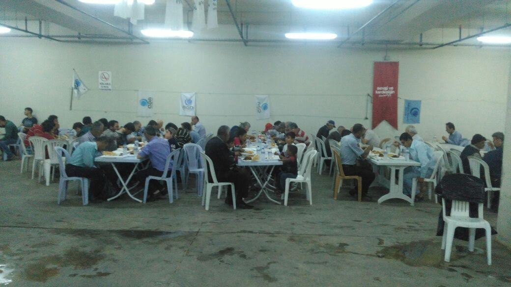AGD Antakya Temsilciliği HATMEK'te 600 kişiye yemek dağıtıyor