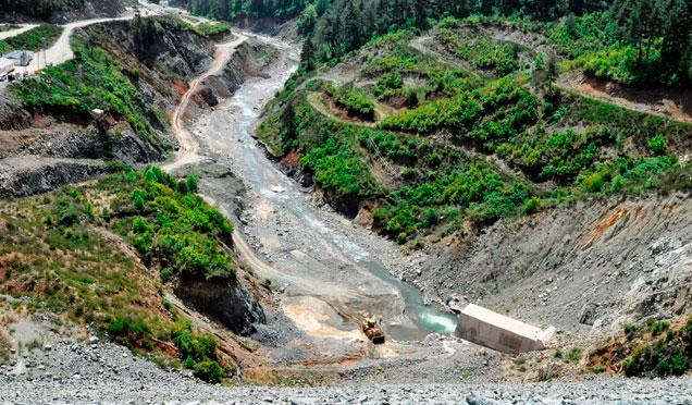 Büyük Karaçay Barajı'nda su tutulmaya başlandı