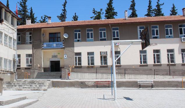 Hatay'ın 3 ilçesinde okullar tatil edildi