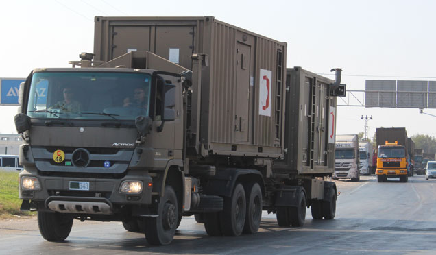 Askeri ilk yardım malzemeleri Suriye sınırında