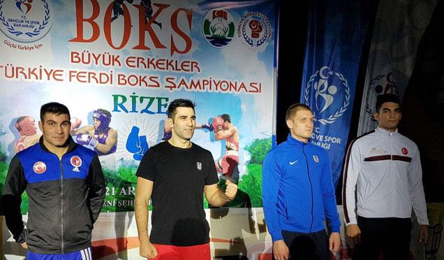 Boks Şampiyonasında Mehmet Ali Açıkgöz 3. oldu
