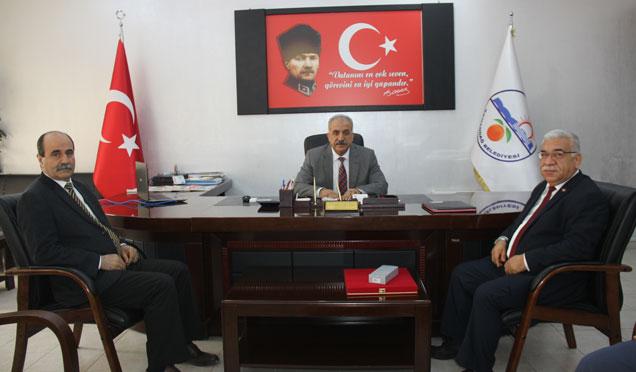 Başkan Nehir başarılı çalışmalarıyla ödüle layık görüldü