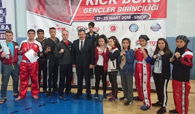 Hataylı sporcular Kick Boks Türkiye Şampiyonasına katıldı