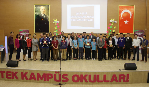 Bilgi yarışmasına katılan öğrencilere plaket verildi