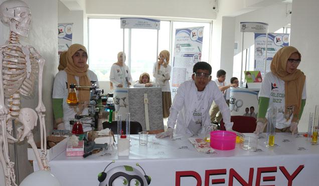 Kırıkhan'da 4006 TUBİTAK Bilim Fuarı