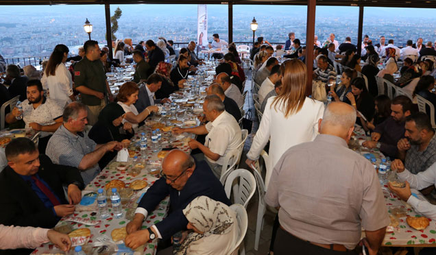 Başkan Savaş Şehit ve Gazi aileleriyle iftarda buluştu