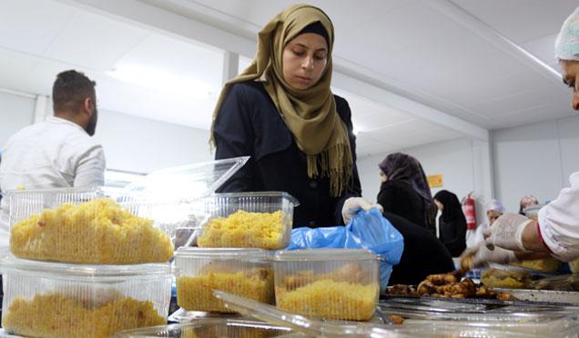 Suriyelilerin damak tadına uygun iftar kumanyası