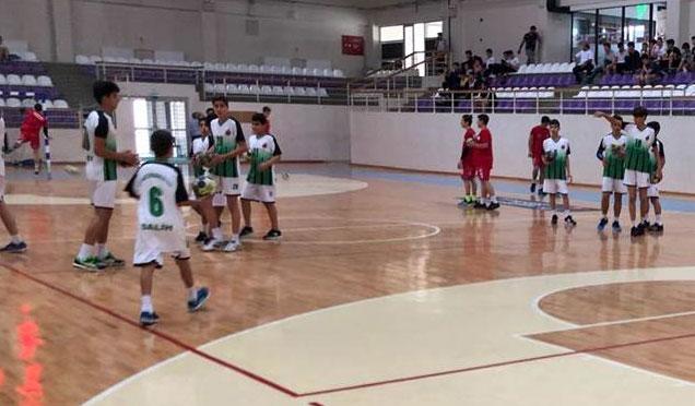 Altınözü Hentbol Takımı Türkiye Hentbol Şampiyonasında yarı finale yükseldi