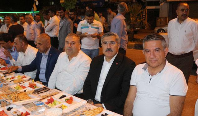 Milletvekili adayı Hüseyin Yayman sahuru partililerle yaptı