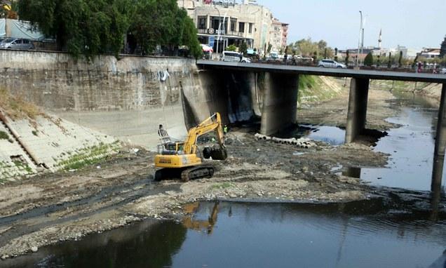 Asi Nehri kötü görüntü ve kokudan kurtulacak