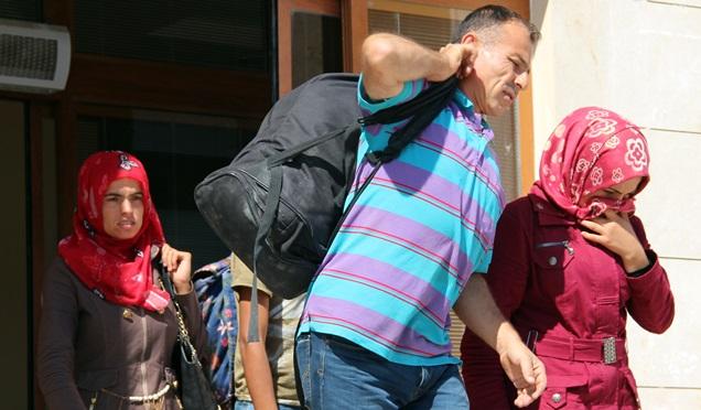 Göçmen kaçakçısı saklandığı yerde yakalandı