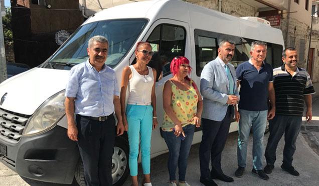 Payas Belediye Başkanı Bekir Altan'dan HGC'ye servis aracı