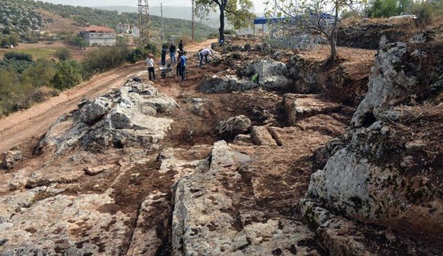 Kaya Mezarları alanında kazı çalışmaları başladı