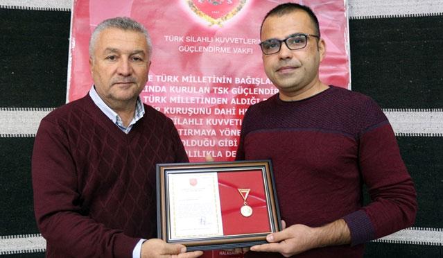 Dedesinin vasiyeti üzerine Türk Silahlı Kuvvetlerine 10 Bin TL bağış yaptı