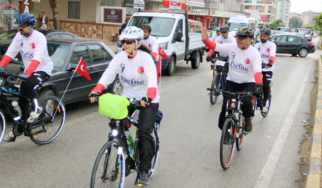 """Hatay'dan Anıtkabire Bisikletle """"Atamızın yolundayız"""" etkinliği"""