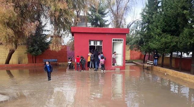 Aşırı yağışlar Reyhanlıyı sular altında bıraktı