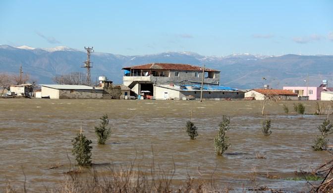 2 Mahalle daha sular altında, AFAD Bölgede çalışmalarını sürdürüyor