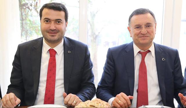 Başkan Savaş'a Kırıkhan'da yoğun ilgi