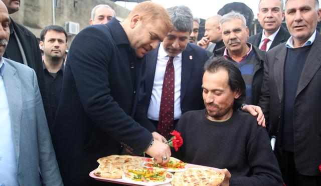 Hatay HBB Adayı İbrahim Güler 'Pazardaki fiyatlar yarıya düştü, daha da düşecek'