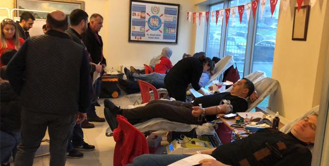 Eczacılardan kan ve kök hücre bağışı