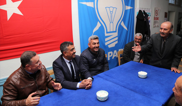 Başkan Savaş Hassa Ak Parti seçim bürosunu ziyaret etti
