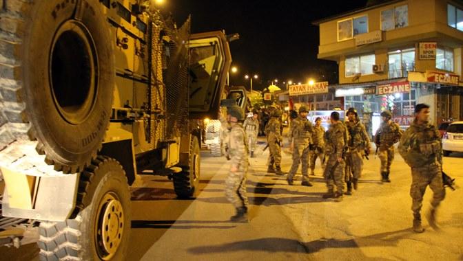 Sınırda hattında gece askeri hareketlilik arttı