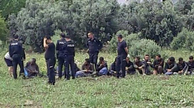Antakya'da 26 kaçak göçmen yakalandı