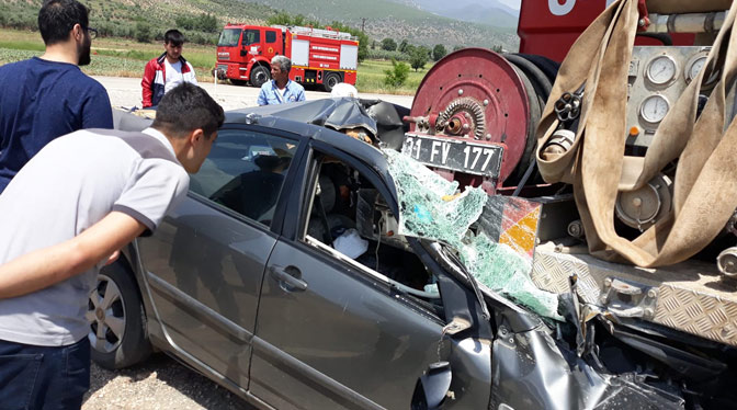 Hassa'da feci kaza; 2 ölü