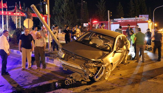 Hatay'da trafik kazası, 2 yaralı