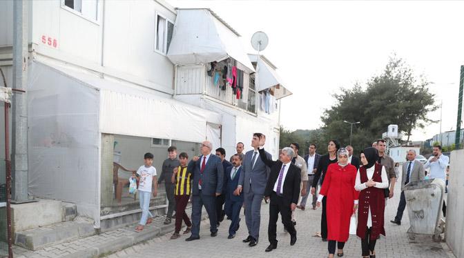 Vali Doğan İftarını Barınma Merkezindeki Türkmenlerle açtı