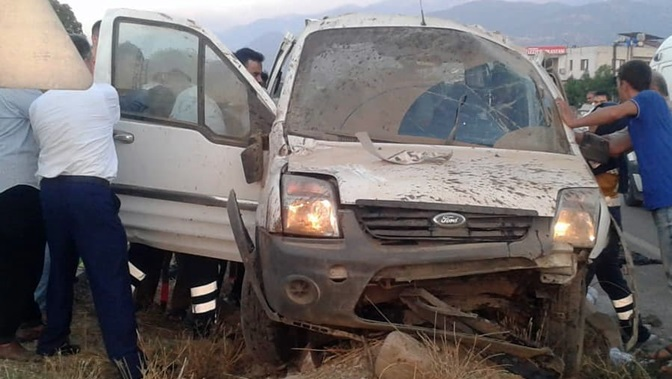 Hassa'da kaza 3 yaralı