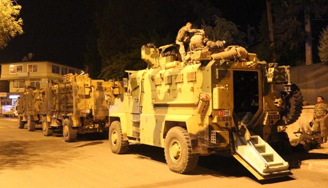 Suriye sınırına gece boyunca komando sevkıyatı yapıldı