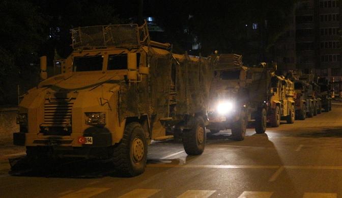 Sınır birliklerine askeri sevkıyat sürüyor