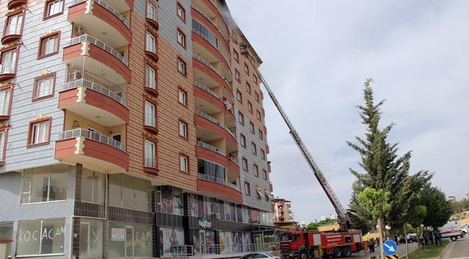 7 katlı binada çıkan yangın korkuttu