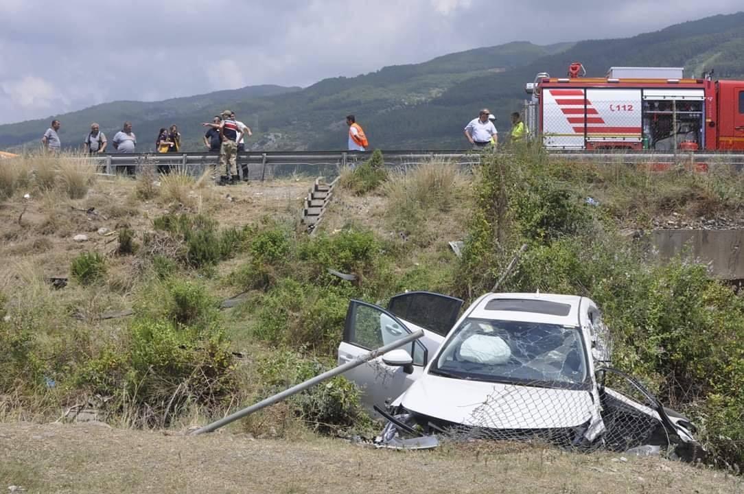 Dörtyol'da kaza; 3 ölü, 2 yaralı