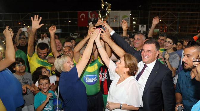 35. Erhan Aksay Futbol Turnuvası'nın şampiyonu Defne Belediyespor oldu