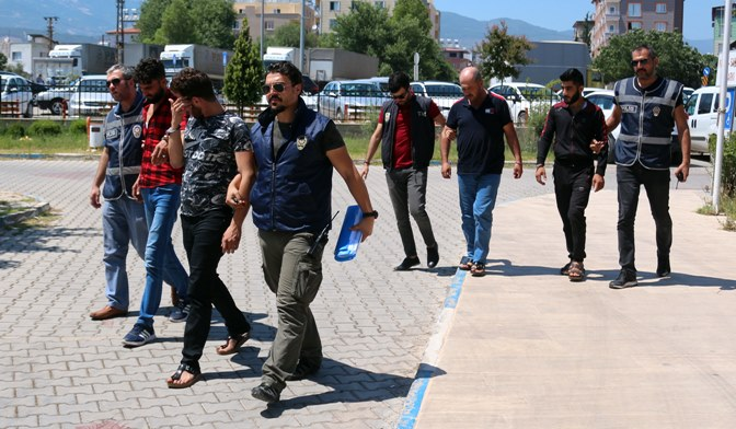 Kırıkhan'da göçmen kaçakçılığı yapan 3 kişi tutuklandı