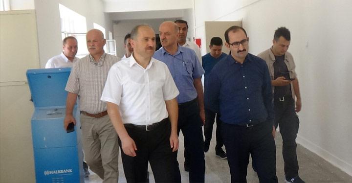 Hükümlüler Kırıkhan'da 23 okulu boyadı