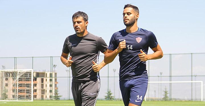 Yeni transfer Rayane Aabid takımla çalışmalara başladı