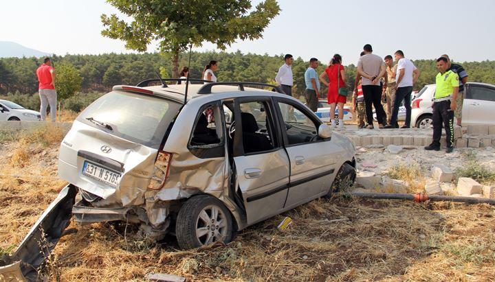 Kırıkhan'da trafik kazası, 5 yaralı