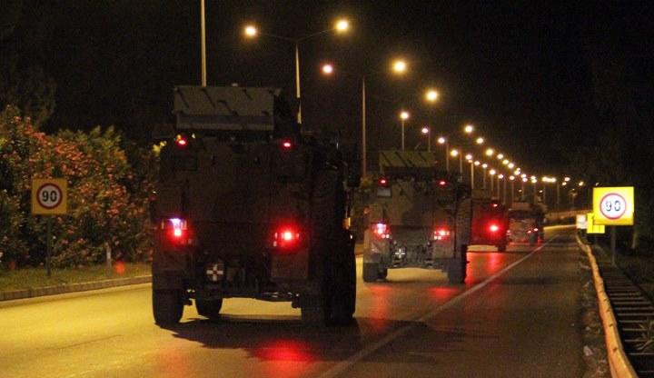 Bugün yaklaşık 150 araçlık konvoy Suriye sınırına doğru yola çıktı