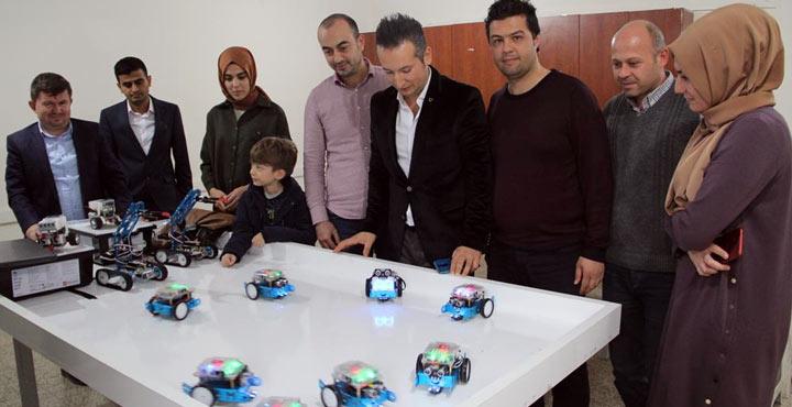 """""""Kırıkhan Kodluyor Projesi"""" ile 500 öğrenci robotik kodlama öğrendi"""