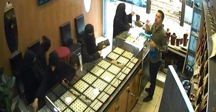 Kuyumcu hırsızları güvenlik kamerasında