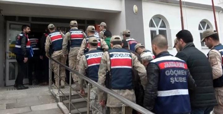 Göçmen kaçakçılığı yapan 10 kişi gözaltına alındı