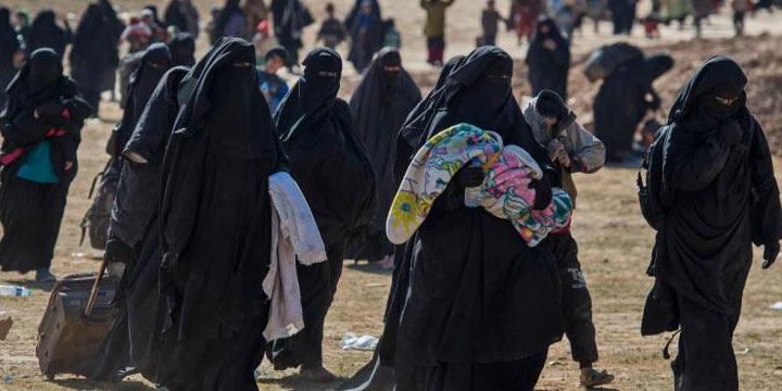 Kamptan kaçan 5 kadın DEAŞ'lı Hatay'da teslim oldu